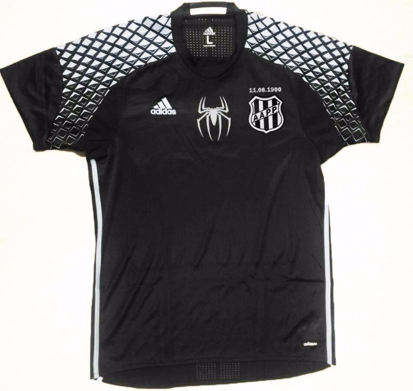 1b740820cb Goleiro Aranha ganha camisa especial da Ponte Preta - Show de Camisas