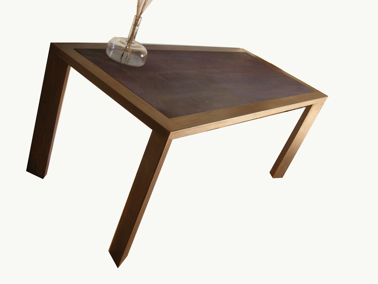 Tavoli Design Legno | Tavolo Rotondo Con Base In Metallo E Piano In ...