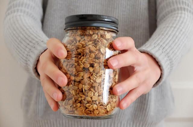 http://www.lilikus.be/2016/11/recette-granola-croquant-maison.html