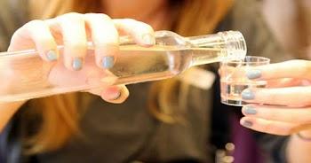 Μεγάλη προσοχή: Πίνετε τσίπουρο; Να γιατί πρέπει να το ξανασκεφτείτε πριν το καταναλώσετε!