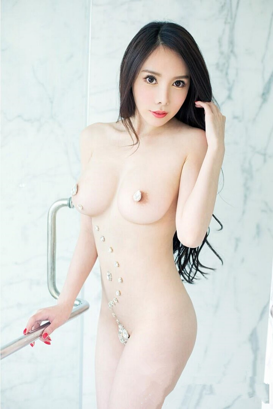 Naked chinese girl guitarist 15