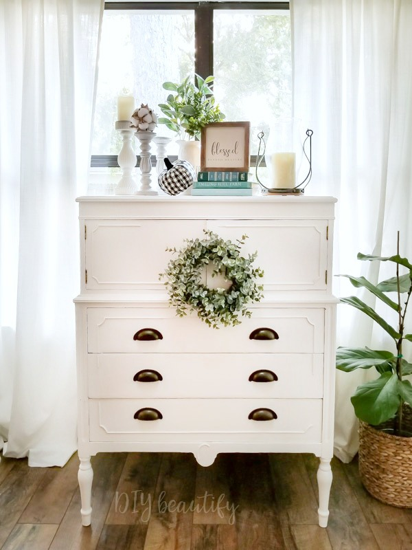 cottage dresser with farmhouse decor