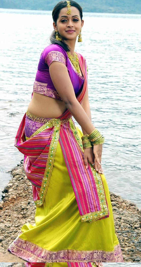 Bhavana sexy boobs photos