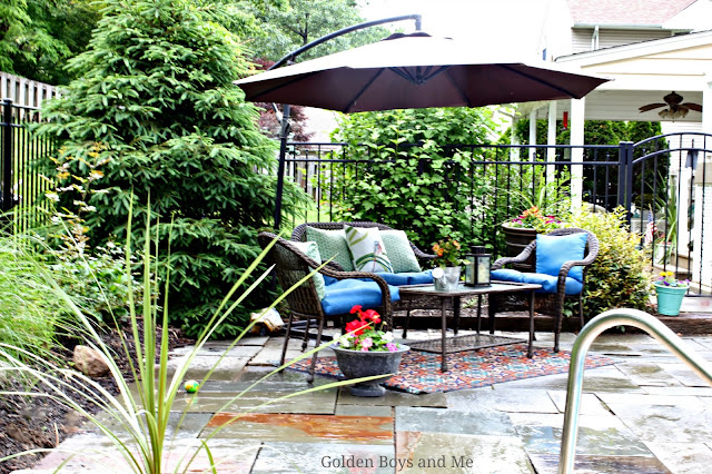 Outdoor patio ideas with all weather wicker furniture - www.goldenboysandme.com
