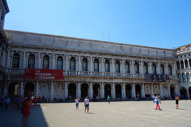 Měl stanout Napoleon v Benátkách mezi římskými imperátory, benátky průvodce, kam v benátkách, zažít benátky jinak, benátky památky, benátky napoleon, muzeum correr, náměstí svatého marka, piazza san marco, římští imperátoři v benátkách