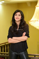 Shruti Haasan Looks Stunning trendy cool in Black relaxed Shirt and Tight Leather Pants ~ .com Exclusive Pics 061.jpg