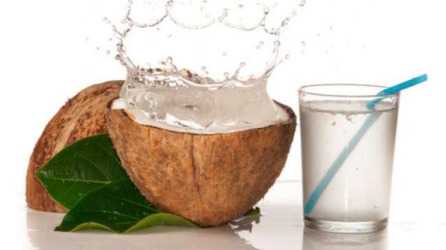 Manaat Meminum Air Kelapa Selama 7 Hari
