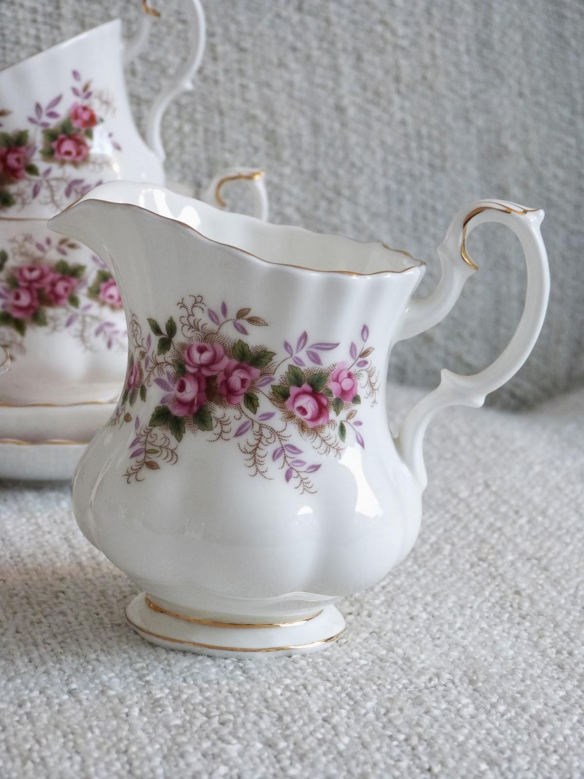 Royal Albert Servies Lavender Rose.Het Brocante Schelpenhuisje Lavender Rose