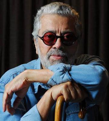 Foto de Facundo Cabral con su bastón