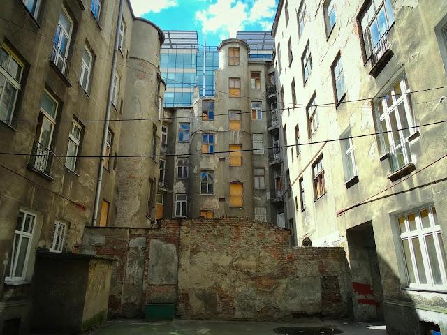 opuszczona kamienica na Pańskiej 100a, ulica Pańska