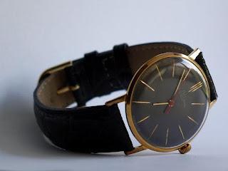 Thu mua đồng hồ điện tử cổ, nệm cao su cũ giá cao tại Thủ Đức, Dĩ An, Thuận An, Bình Thạnh, Gò Vấp Tphcm