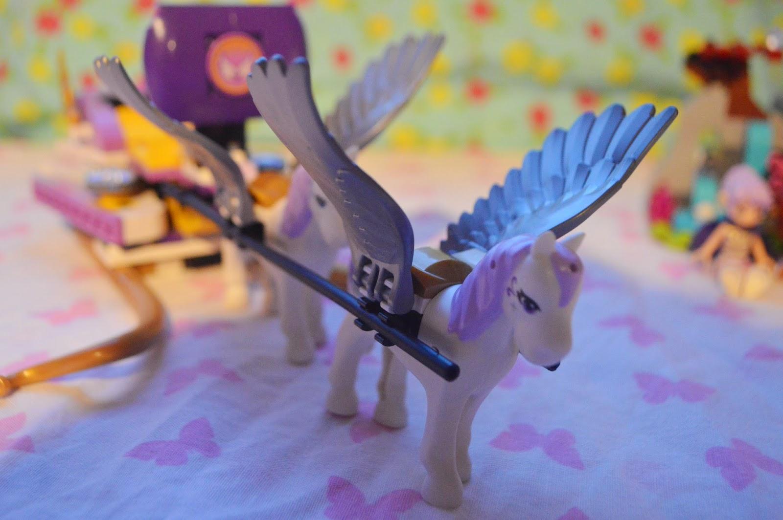 , LEGO Elves:  Aira's Pegasus Sleigh Set (41077) #Review
