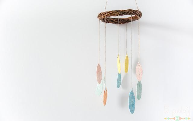 Tutorial DIY: Piórka z masy plastycznej - dekoracja nie tylko na Wielkanoc - CZYTAJ DALEJ