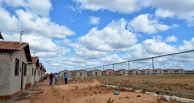 Resultado de imagem para foto do ato de inauguração do conjunto nubia lafayette em carnaubais