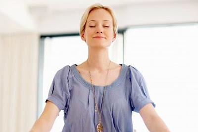 Gerakan Yoga untuk Pemula yang Bisa Dicoba Sendiri di Rumah