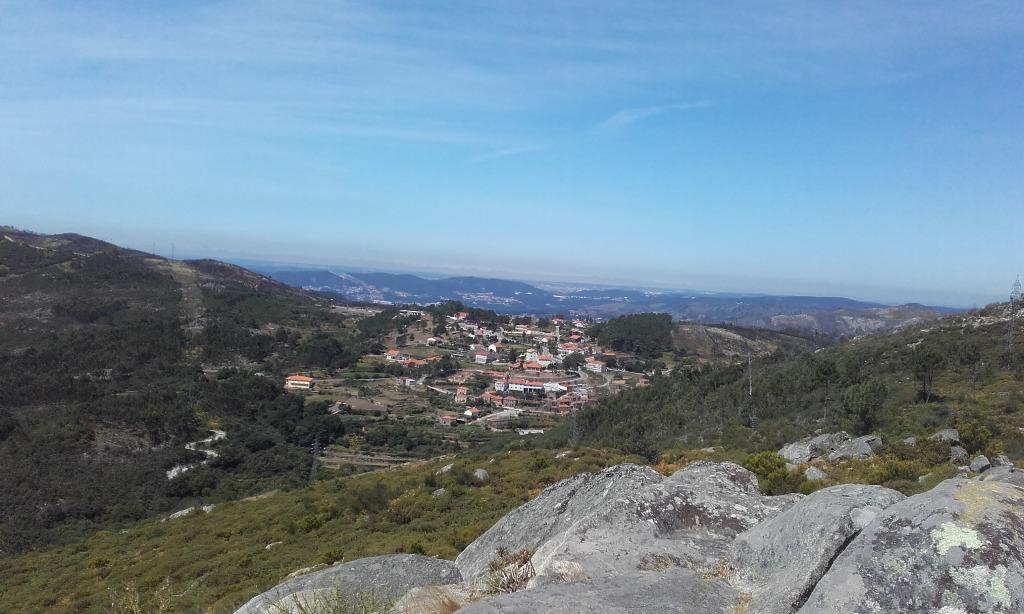 Vista do Cabeço do Campo para a aldeia da Felgueira