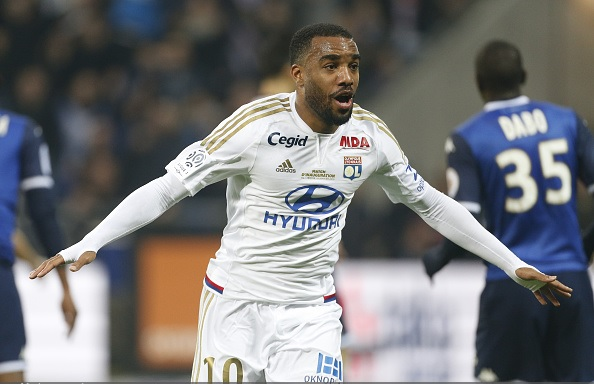 Arsenal bid rejected for Alexandre Lacazette