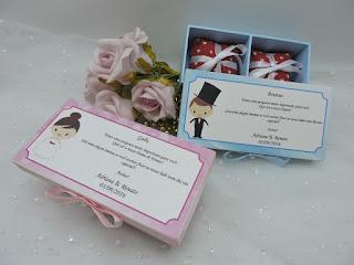 caixa convite para daminhas e pajens para colocar dois bem-casados