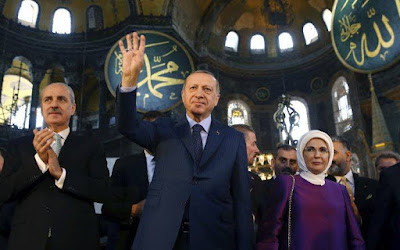 Ν. Λυγερός: Ο μόνος χαιρετισμός που αξίζει σ' ένα δικτάτορα είναι η μούντζα... Μόνο η στρατηγική αντιμετωπίζει την Τουρκία και τα Σκόπια