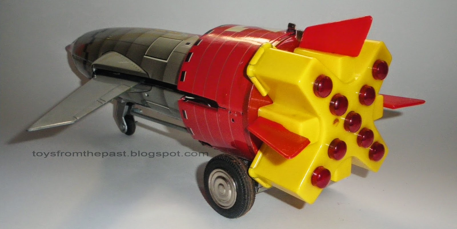 Toys from the Past: #464 NOMURA – SPACE ROCKET SOLAR X (1966)
