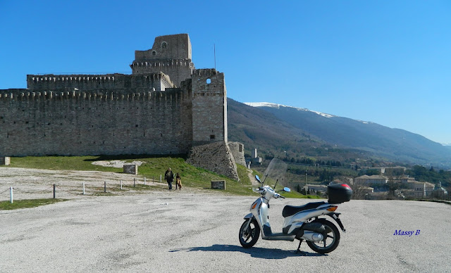 assisi in motorcycle