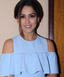 Neeti Mohan songs, husband, singer, age, sisters, family, jiya re, ishq wala love, photos, marriage, date of birth, all songs, photos of, wallpaper, bang bang, singer songs, new song, songs sung by, mersalaayitten