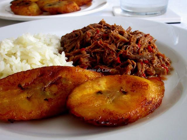 Carne mechada con arroz y tajadas de maduro