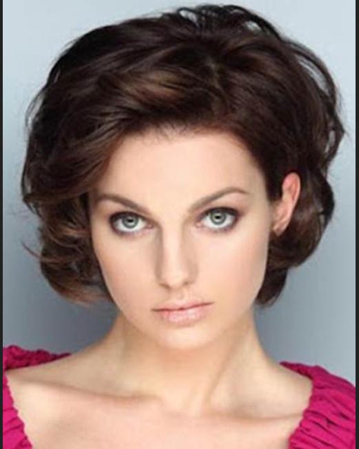 Model Rambut Pendek Ikal Untuk Wajah Bulat