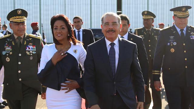Danilo Medina sale hacia Lima, Perú, rumbo a III Cumbre Empresarial y VIII Cumbre de las Américas