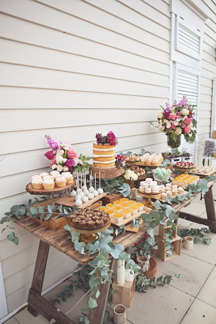 Mesa dulce para boda de estilo rústico