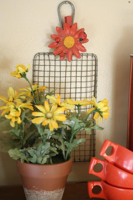 yellow daisy, vintage kitchen decor, melmac