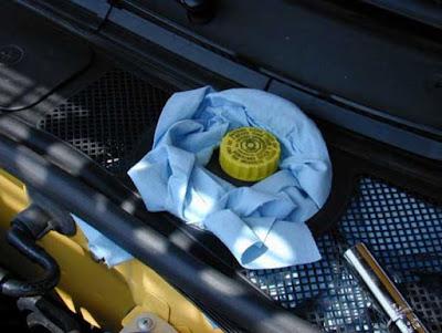 Kiểm tra và bảo dưỡng hệ thống phanh trên ô tô - kiểm tra dầu
