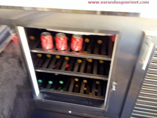 Balcão refrigerado de 1 porta em aço inox escovado