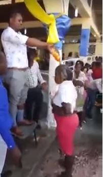 Pastor baptizes congregation with Coca-Cola, Fanta
