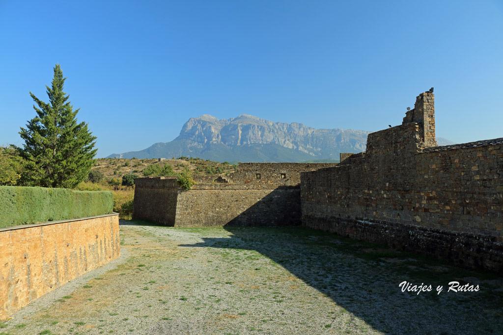 Foso del castillo de Ainsa, Huesca
