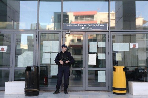 Ένας στους δύο αστυνομικούς στην Αθήνα φυλάσσει πολιτικά πρόσωπα και κτίρια