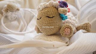 crochet lamb amigurumi pattern,