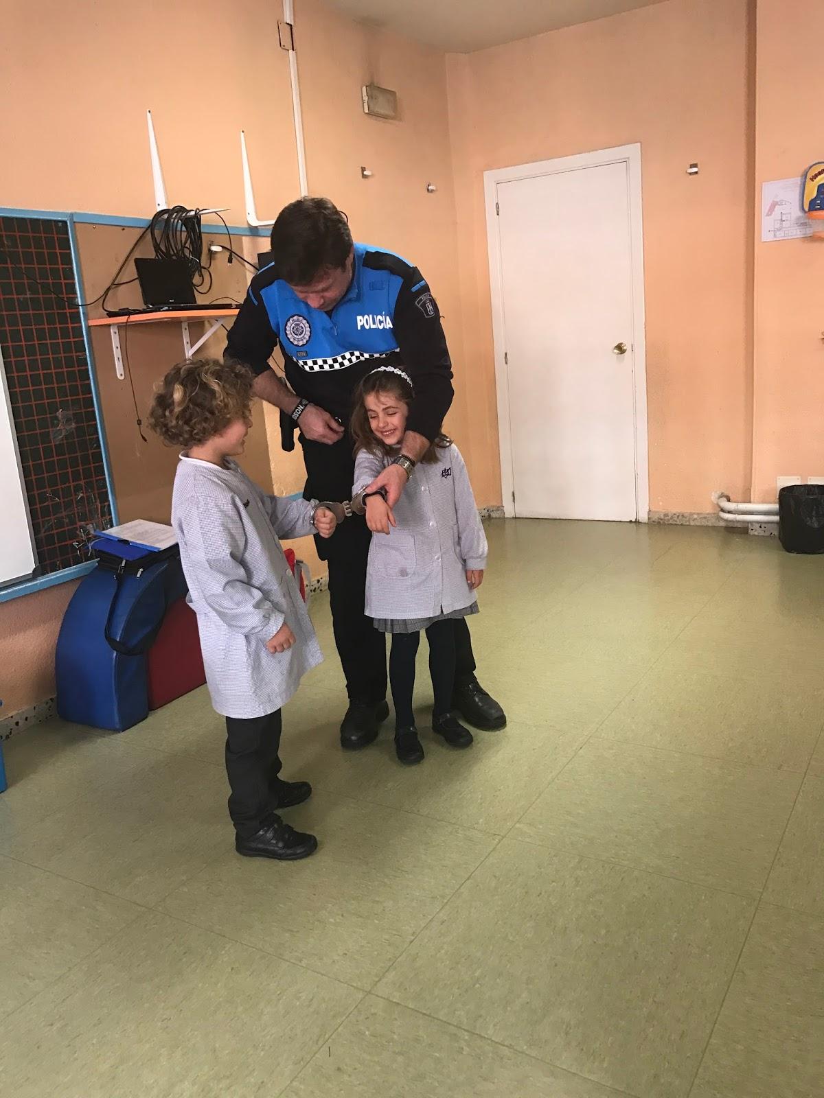 Agustinas Valladolid - 2017 - Infantil 4 - Policía Municipal 2