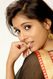Rashmi Gautam Profile Biography, Wiki, Biodata Height, Weight, Body Measurements, Affairs, Boyfriends Family Photos and more.