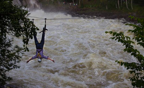 PauMau blogi nelkytplusbloggari nelkytplus nelkytplusblogit Imatran Valtionhotelli näkymä joelle Imatran koski liukurata köysirata joen ylitys