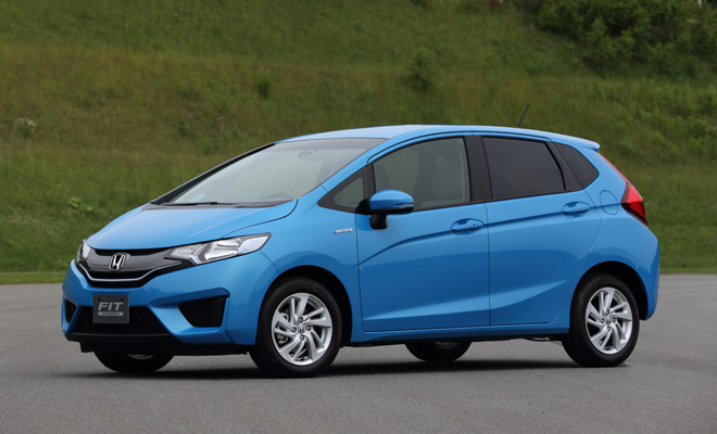 2014 Honda Jazz Hybrid side view