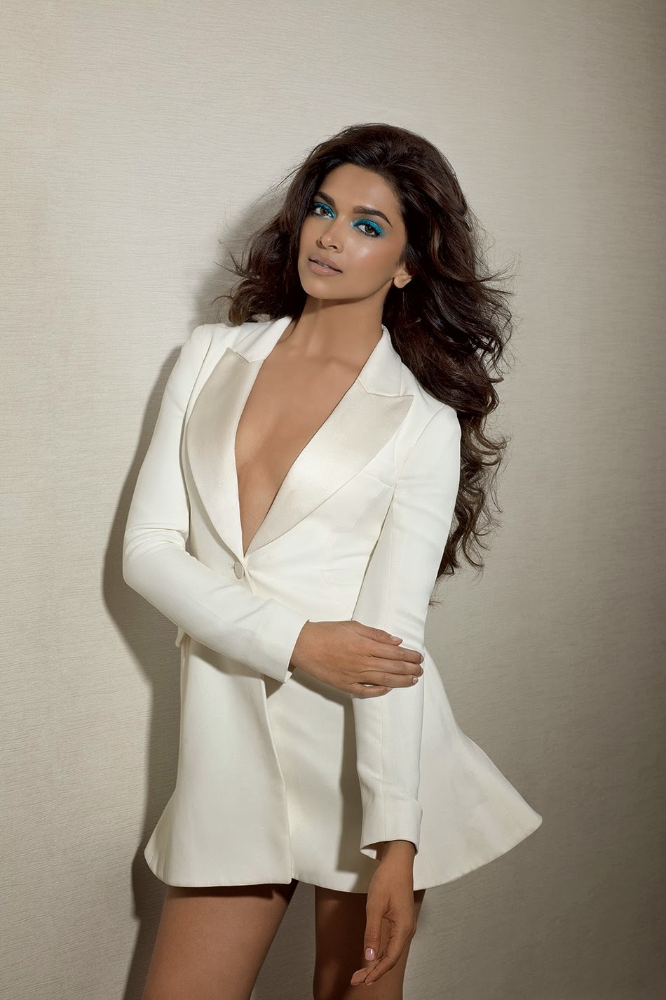 TamilCineStuff | : Deepika Padukone Sizzling Hot and Sexy ...