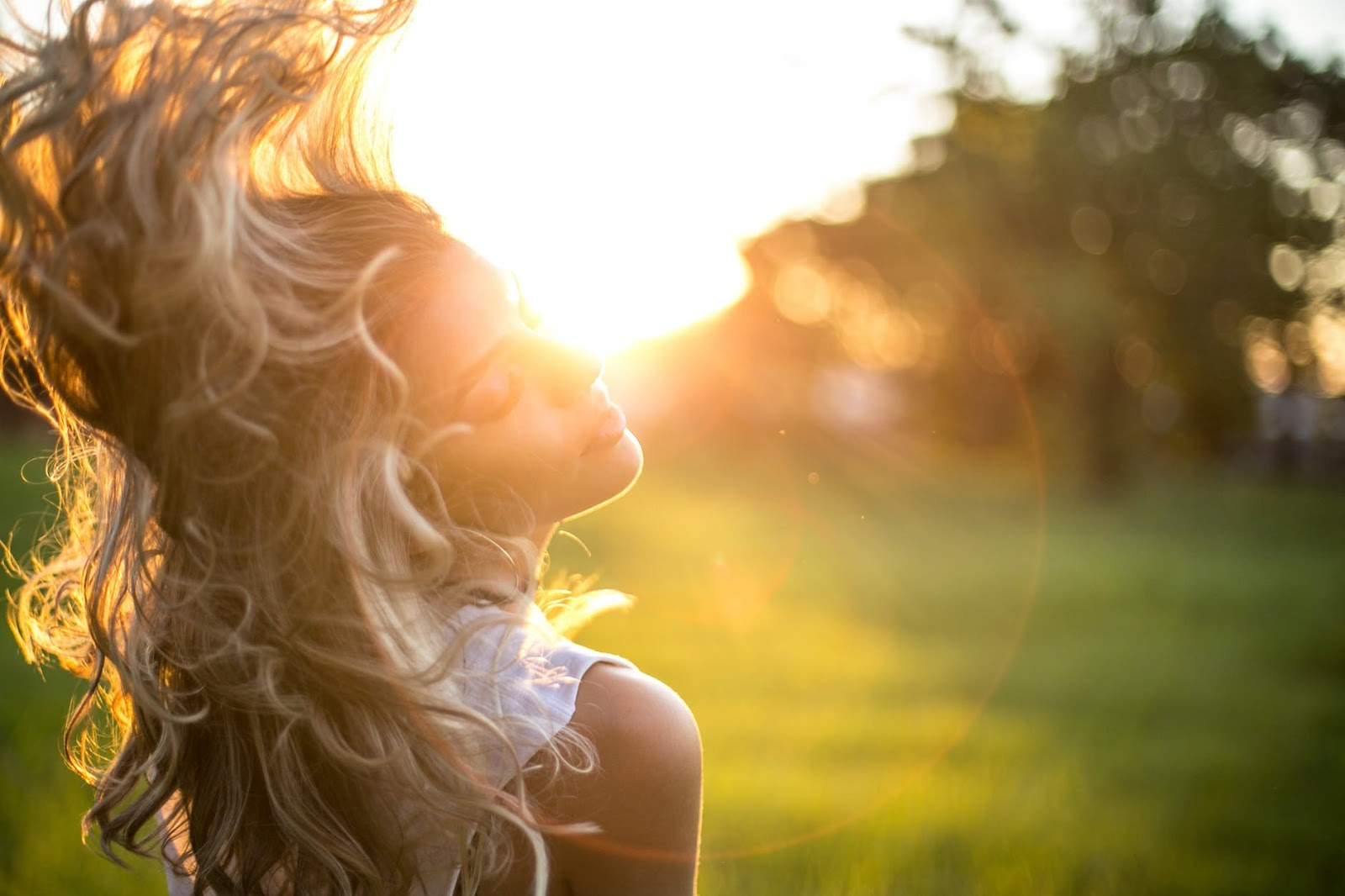 woman with blonde hair in the sunshine