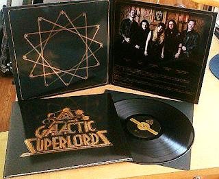 Ο ομώνυμος δίσκος των Galactic Superlords