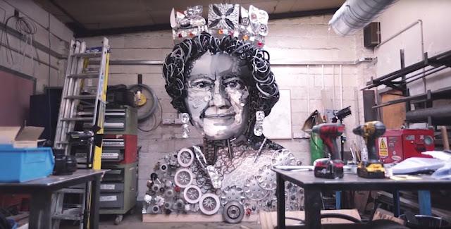 エリザベス女王の肖像を自動車部品だけで作ったアート作品。