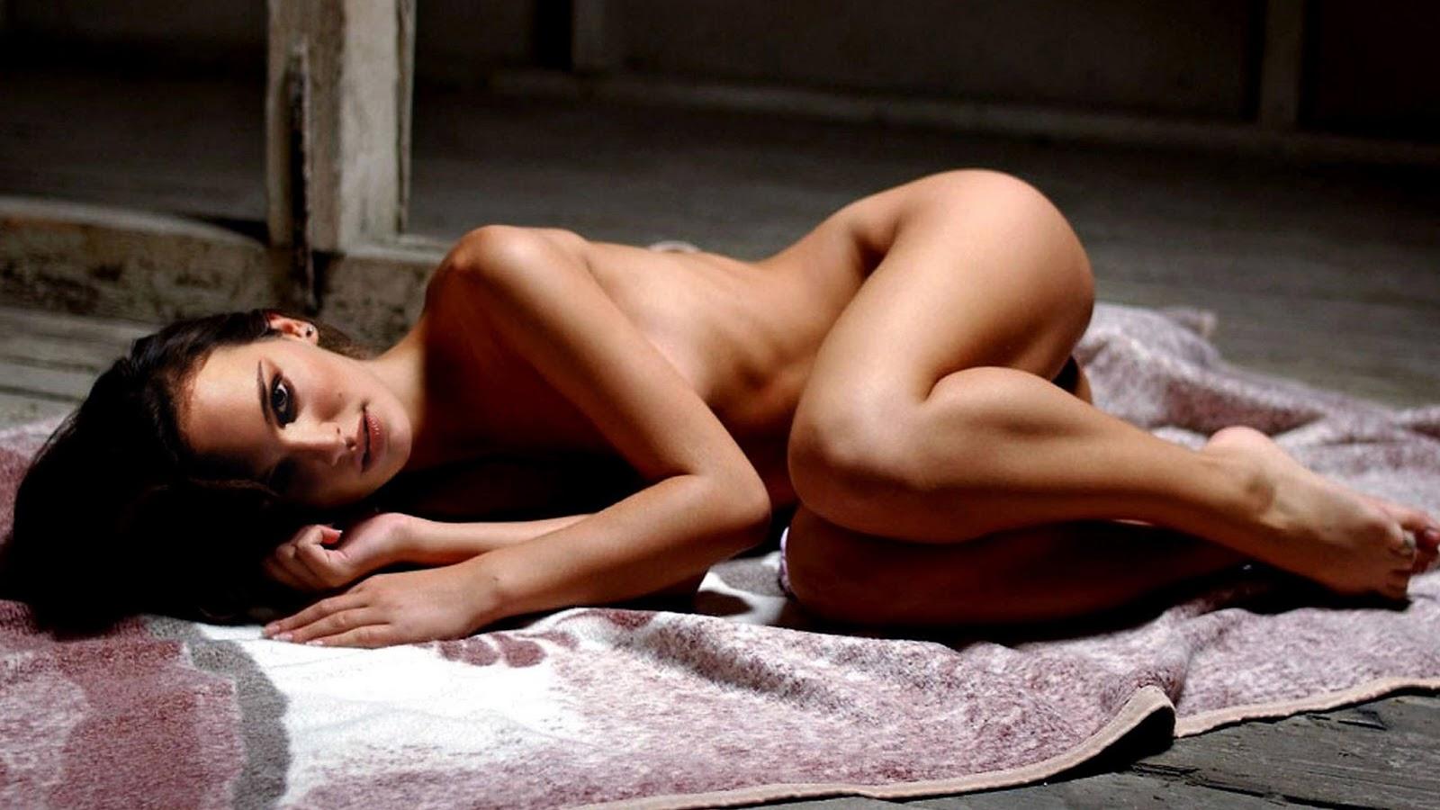 natalie-swan-nude-mature-home