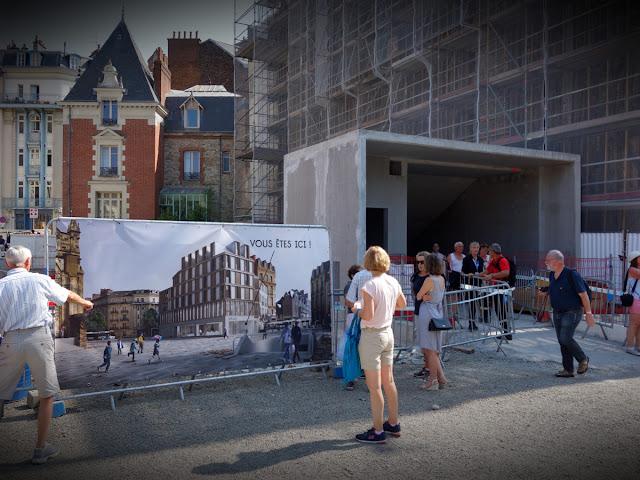 Et la sortie de la future station Place Sainte-Anne...