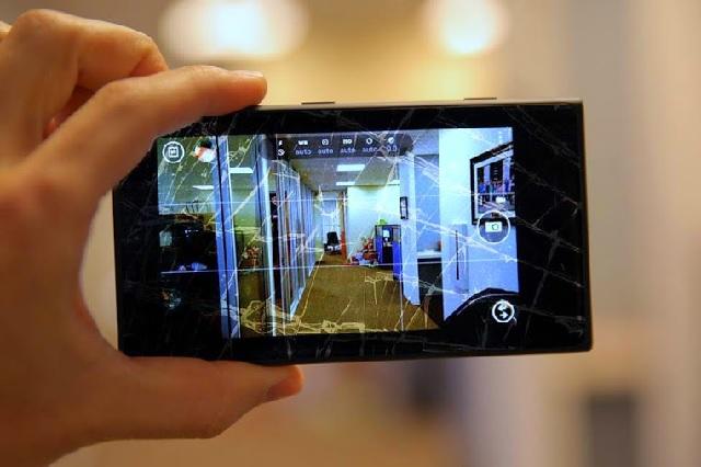 Thay mặt kính Nokia Lumia 630 chính hãng
