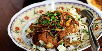 Nasi Lengko, Sega Lengko, Kuliner Cirebon, Strawberry Delight