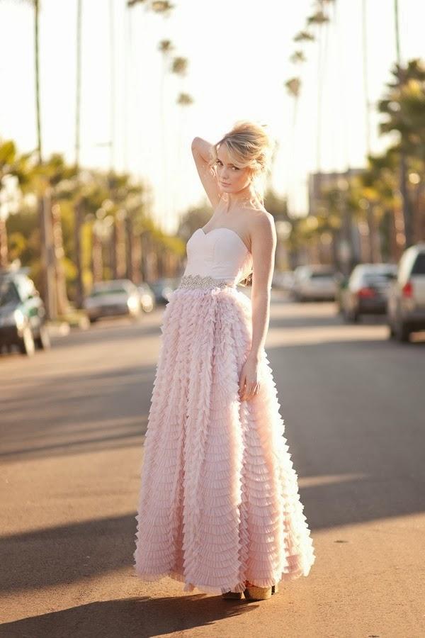 Yo quiero un vestido de novia de color nude para mi boda